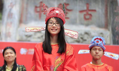Trung Quốc cấm tiết lộ danh tính thủ khoa tuyển sinh đại học - Ảnh 1.