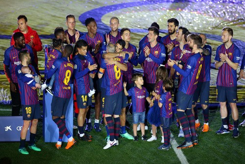 Coutinho lập siêu phẩm, Barcelona chia tay huyền thoại - Ảnh 9.