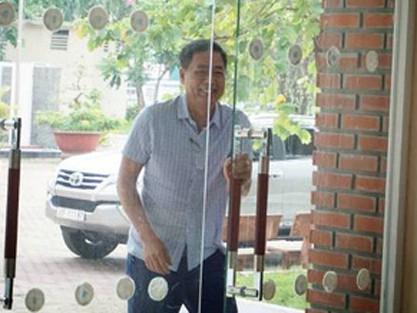 Ông Trần Mạnh Hùng từ chức phó chủ tịch VPF - Ảnh 2.