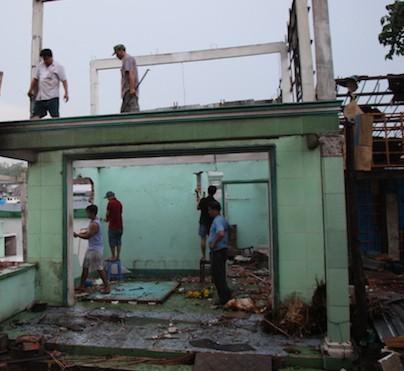 Cần Thơ: Hỗ trợ hơn 400 triệu đồng cho người dân bị ảnh hưởng bởi sạt lở - Ảnh 2.