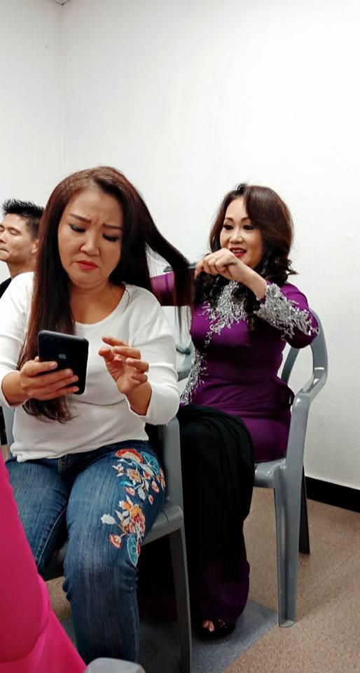 NS Thanh Hang Ua nuoc mat khi nghe ma oi ba con la ai!