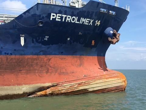 Bất cẩn làm 9 người chết, 4 thuyền viên bị phạt tiền - Ảnh 2.