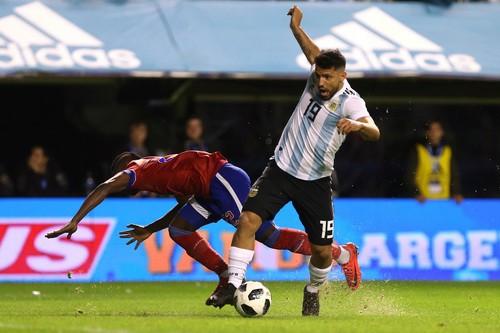 Giao hữu: Messi lập hat-trick, Argentina đè bẹp tí hon Haiti - Ảnh 6.