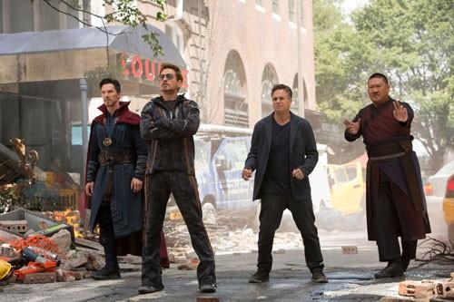 Avengers: Infinity War: Xứng tầm bom tấn! - Ảnh 1.