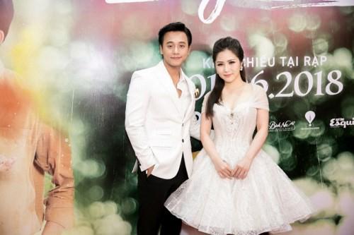 Những cuộc tình chóng vánh của showbiz Việt - Ảnh 2.