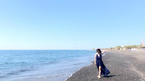 Cô gái Hà Nội đi từ thất vọng đến bất ngờ khi ghé Santorini - Ảnh 1.