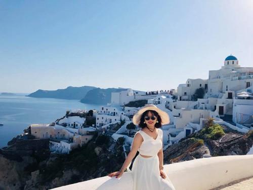 Cô gái Hà Nội đi từ thất vọng đến bất ngờ khi ghé Santorini - Ảnh 2.