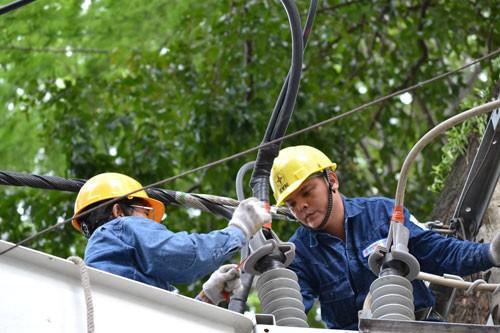 Ngành điện cam kết không để thiếu điện mùa nắng - Ảnh 1.