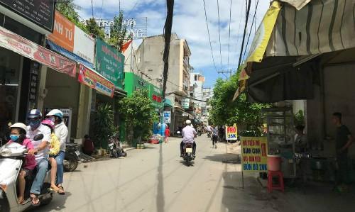 Khổ sở vì quyết tâm mua nhà trong cơn sốt đất ở TP HCM - Ảnh 1.