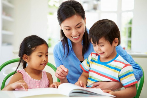 Cha mẹ cần làm gì để trẻ nhận biết, tránh được yêu râu xanh? - Ảnh 1.