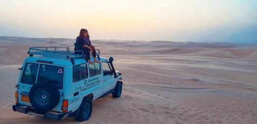 Cô gái Việt như sống trong ảo ảnh giữa sa mạc Sahara - Ảnh 1.