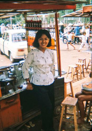 Ảnh độc đáo về hàng quán giải khát trên vỉa hè Sài Gòn xưa - Ảnh 12.