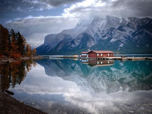 Chiêm ngưỡng những hồ nước đẹp nhất thế giới - Ảnh 3.