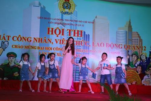 Hội diễn văn nghệ chào mừng Đại hội Công đoàn TP HCM - Ảnh 1.