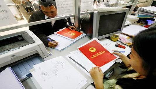 Trình tự làm hồ sơ sang tên sổ đỏ khi bán nhà - Ảnh 1.