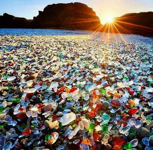 Những bãi biển lạ nhất thế giới ai cũng muốn đến một lần - Ảnh 3.