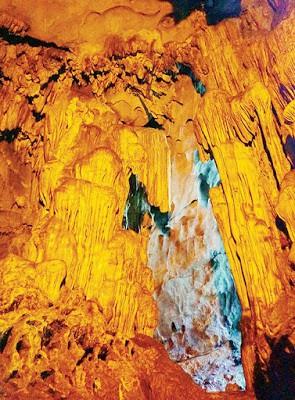 Kỳ thú hang động VN như rồng chúa vờn ngọc - Ảnh 4.