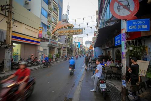 Đề xuất mở rộng Phố đi bộ Bùi Viện: Đừng để thành phố bia - Ảnh 1.