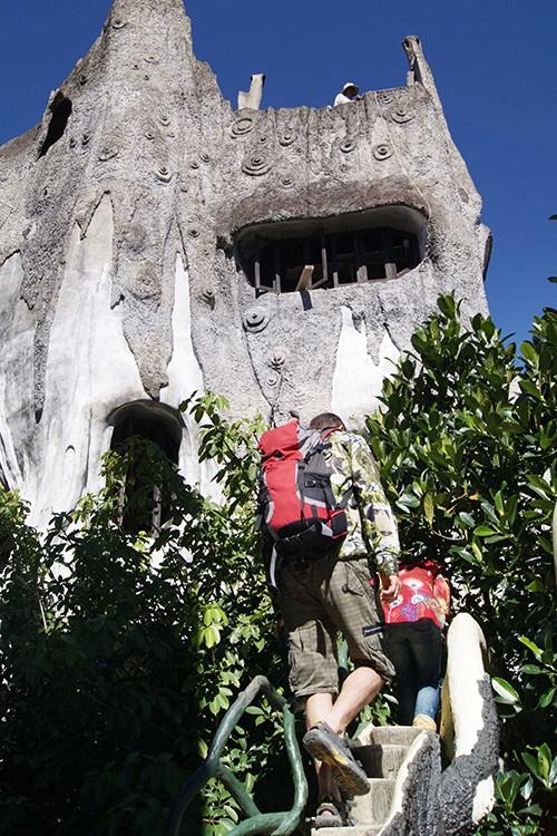 Ngôi nhà ma quái ở Đà Lạt hút khách gần 30 năm - Ảnh 7.