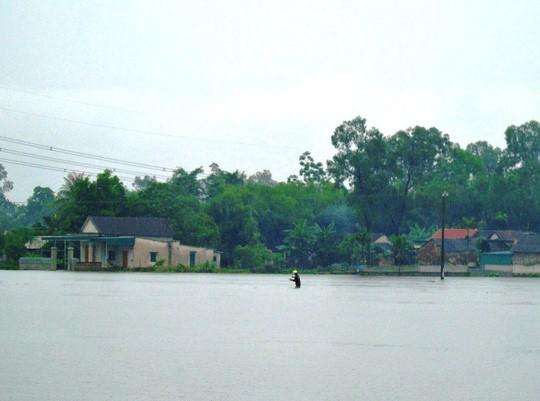 Bão số 3 gây mưa lớn, đề phòng lũ quét, sạt lở, ngập úng - Ảnh 5.