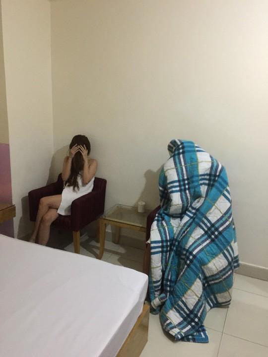 TP HCM: Công an phá đường dây mại dâm liên kết nhà hàng – khách sạn - Ảnh 2.