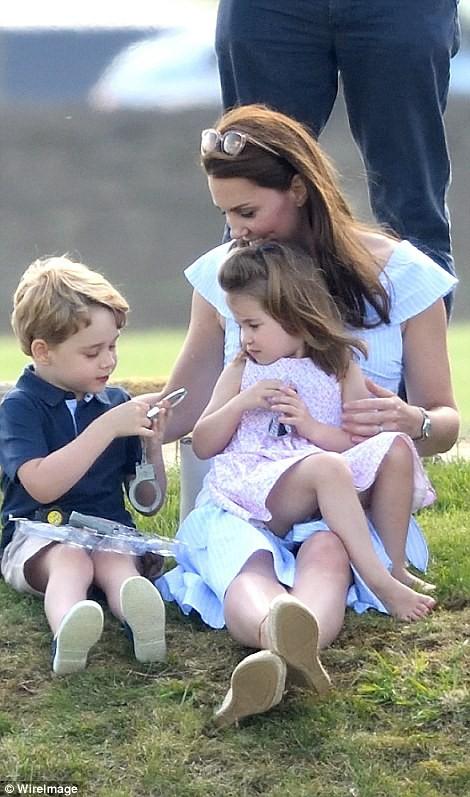 Hoàng tử bé George đón sinh nhật ở Caribe - Ảnh 4.