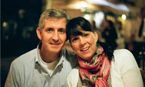 Vợ quên sạch 15 năm quá khứ, chồng phải cưa lại từ đầu - Ảnh 1.