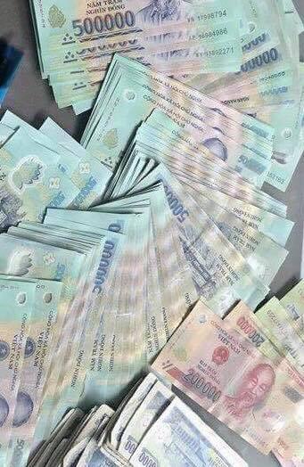 Mai Linh tìm chủ nhân để quên tiền rất nhiều trên taxi - Ảnh 1.