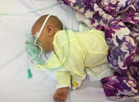 Cắt rốn bằng kéo tại nhà, bé sơ sinh 6 ngày tuổi tử vong - Ảnh 1.