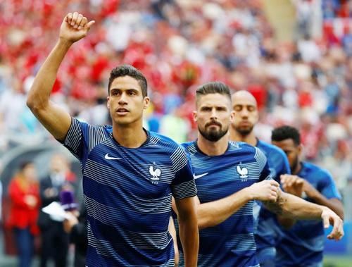 Varane đấu Suarez: Siêu kinh điển ở Nizhny Novogrod - Ảnh 1.