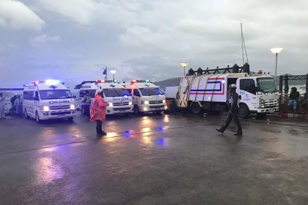 Thái Lan: 3 vụ lật tàu cùng ngày, nhiều du khách Trung Quốc mất tích - Ảnh 2.