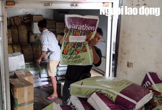 Cận cảnh hơn 40 tấn hoa, rau Đà Lạt gửi tặng Trường Sa - Ảnh 7.
