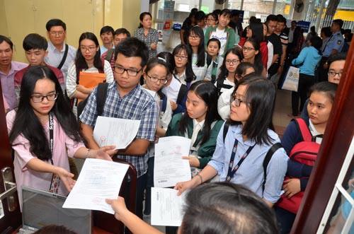 Nhiều trường ĐH tuyển bổ sung hàng trăm chỉ tiêu - Ảnh 1.