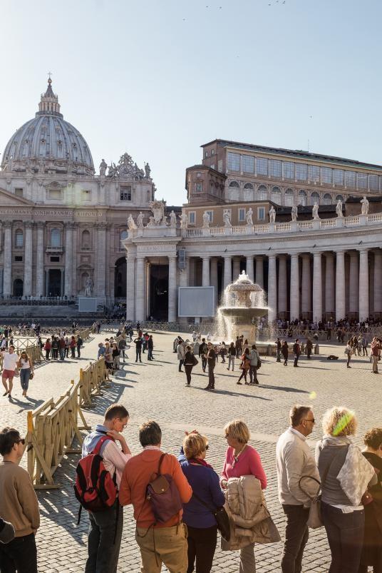 Ai là người nắm giữ 2.797 chìa khóa của bảo tàng Vatican? - Ảnh 3.