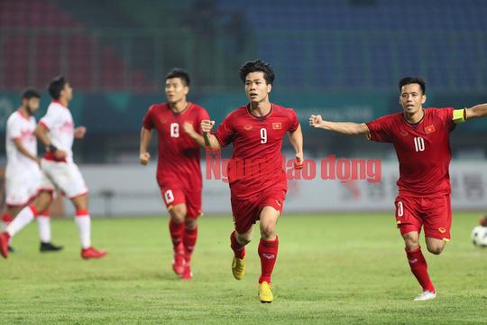 Văn Toàn ghi bàn hạ Syria, Olympic Việt Nam vào bán kết ASIAD - Ảnh 2.