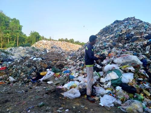 Khắp nơi bức bối rác thải: Thu hồi dự án, đầu tư công nghệ mới - Ảnh 1.