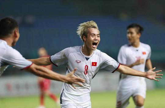 Đổ xô mua tour sang Indonesia xem Olympic Việt Nam đá trận bán kết - Ảnh 2.