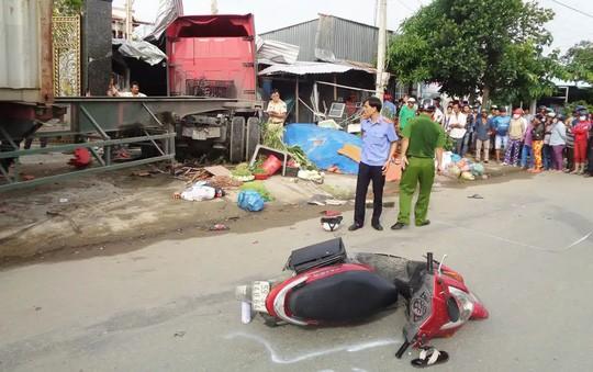 Khởi tố tài xế container lấn làn, gây tai nạn thảm khốc  - Ảnh 1.