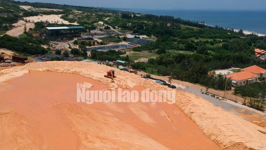 Flycam: Mỏ khai thác titan băm nát bãi biển Bình Thuận - Ảnh 6.