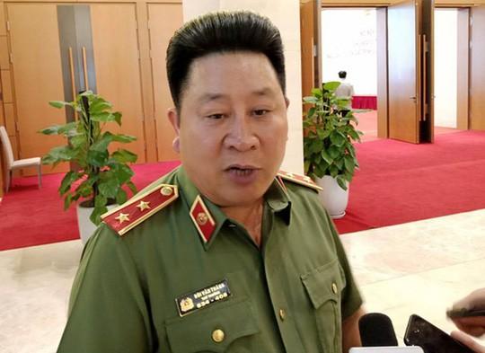 Cách chức Thứ trưởng Bộ Công An đối với ông Bùi Văn Thành  - Ảnh 1.