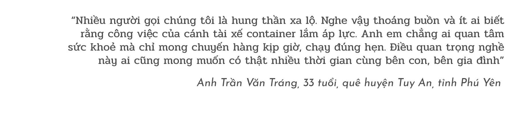 """(eMagazine) - Đời những bác tài container """"xuất ngoại"""" - Ảnh 13."""
