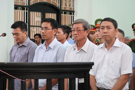 Phúc thẩm vụ án Agribank Trà Vinh: Hoãn phiên tòa nhằm bảo đảm quyền lợi của bị cáo - Ảnh 1.