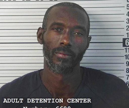 """11 trẻ bị giam giữ tại sa mạc """"được huấn luyện xả súng trường học"""" - Ảnh 4."""