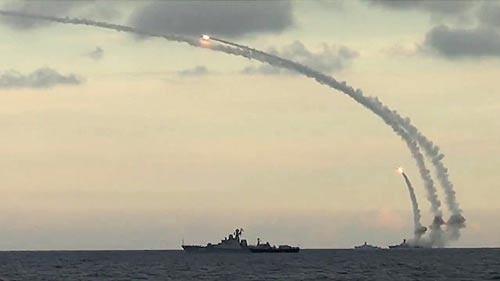 Nga đạt mục đích ở Syria: Thử nghiệm 200 mẫu vũ khí - Ảnh 1.