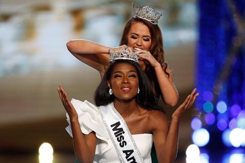 Tân Hoa hậu Mỹ đăng quang nhờ tài năng, trí tuệ - Ảnh 1.