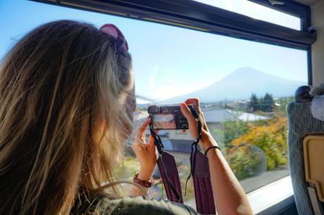 Du lịch bằng tàu cao tốc cả năm chỉ trễ vài giây ở Nhật - Ảnh 3.