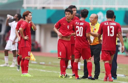 Nâng cấp đội tuyển cho AFF Cup - Ảnh 1.