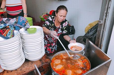 Ba quán bún cho khách thích đổi vị ở Đà Lạt - Ảnh 2.