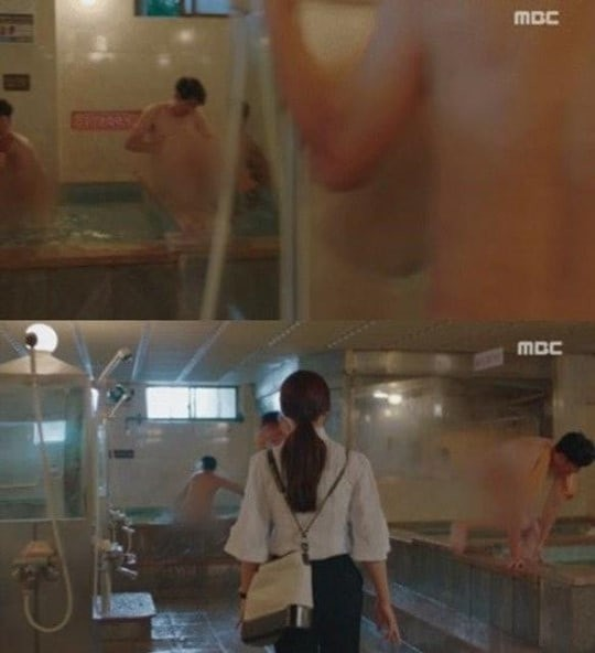 Đài truyền hình xin lỗi về cảnh phụ nữ vào nhà tắm nam - Ảnh 1.