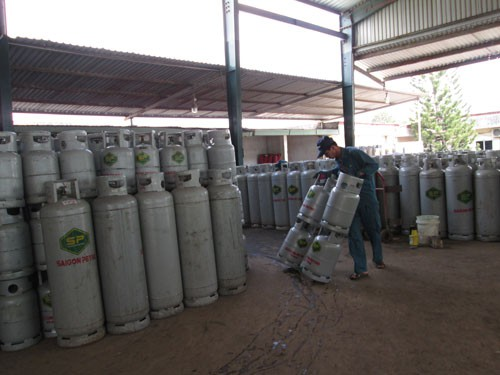 Gas tăng thêm 12.000 đồng/bình - Ảnh 1.